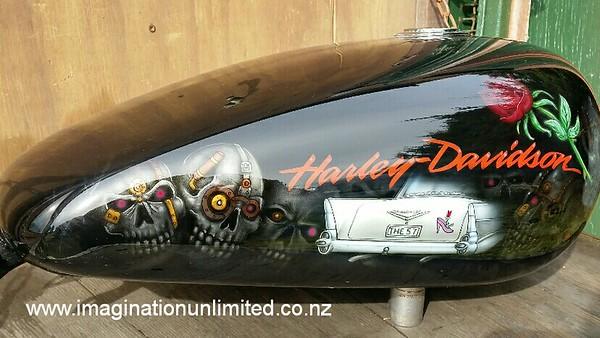 Steampunk skulls/Chev Harley tank