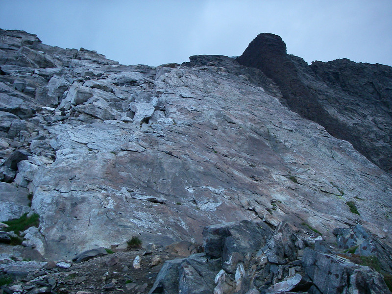 At about 6am we were at the entrance to summit rock. The difficulties in front of us were rated about 5.5 or IV european.