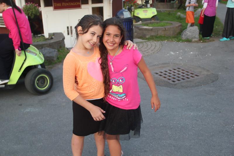 kars4kids_thezone_camp_GirlsDivsion_Smiling (560).JPG