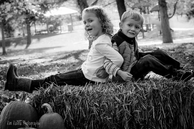 Siblings wm bw-9445.jpg