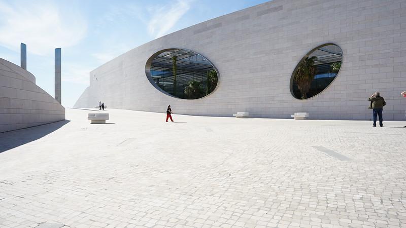 Modern bulding Lisboa (212).JPG
