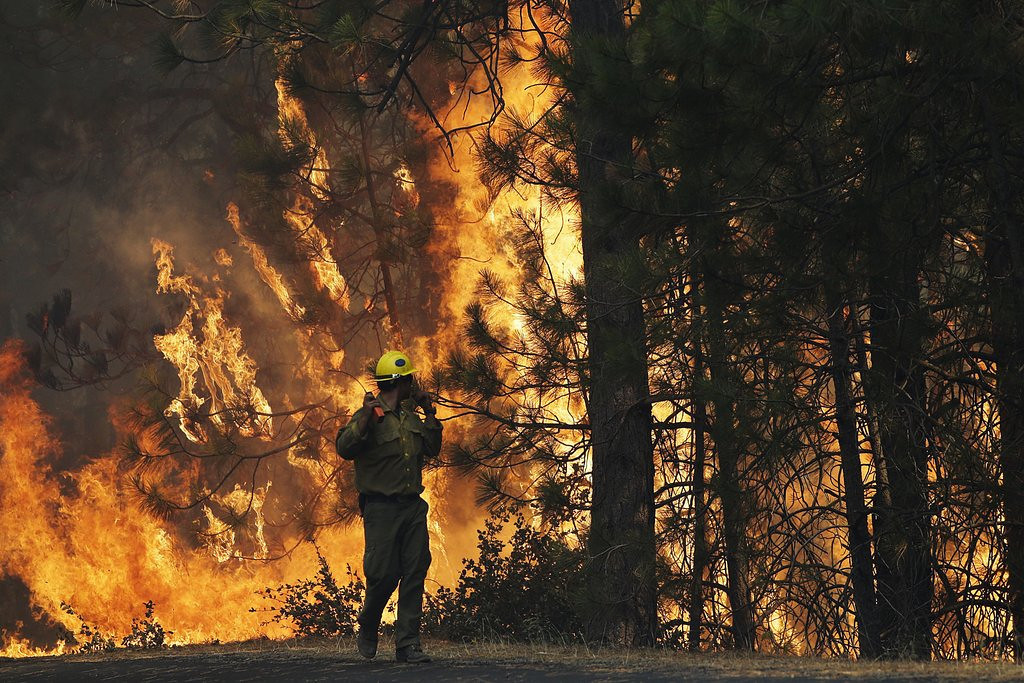 ". <p>8. YOSEMITE NATIONAL PARK <p>You have to be impressed with a forest fire that creates its own weather pattern. (unranked) <p><b><a href=\'http://www.twincities.com/national/ci_23942502/crews-battle-huge-wildfire-raging-yosemite-area\' target=""_blank\""> HUH?</a></b> <p>   (AP Photo/Jae C. Hong)"