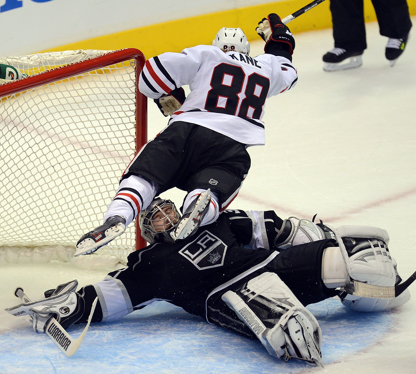 . The Blackhawks\' Patrick Kane #88 shoots past the Kings\' Jonathan Quick  #32 for the goal making the score 2-2 in the 2nd period during game 4 of the Western Conference finals at the Staples Center in Los Angeles June 6, 2013. (David Crane/Los Angeles Daily News)