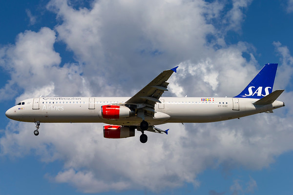 OY-KBE - Airbus A321-232