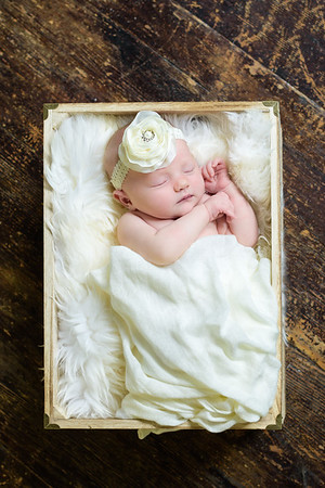 Relaxed Newborn Photo Session At Home