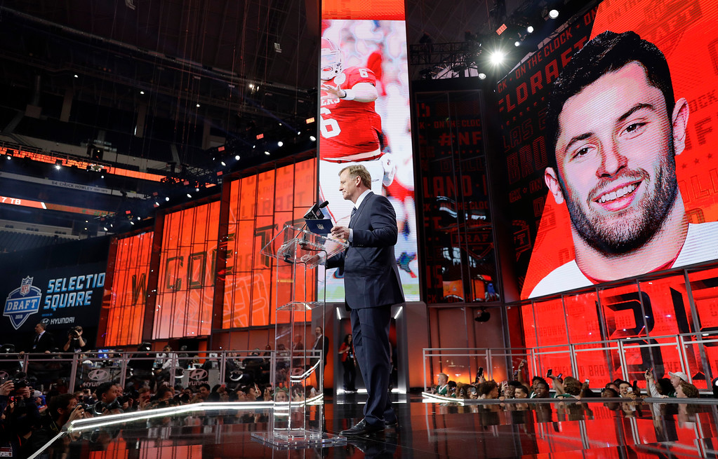 . Commissioner Roger Goodell speaks at the podium after the Cleveland Browns selected Oklahoma\'s Baker Mayfield as their pick during the first round of the NFL football draft, Thursday, April 26, 2018, in Arlington, Texas. (AP Photo/David J. Phillip)
