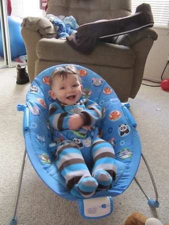 2011-03-22 (Mateo tries out car seats)