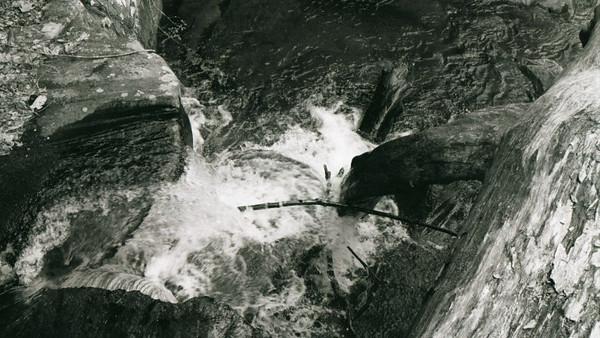 15-waterfall4.jpg