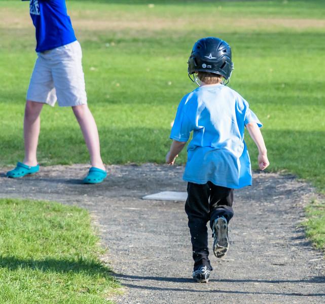 Ciaráns First Baseball Game -_5000668.jpg