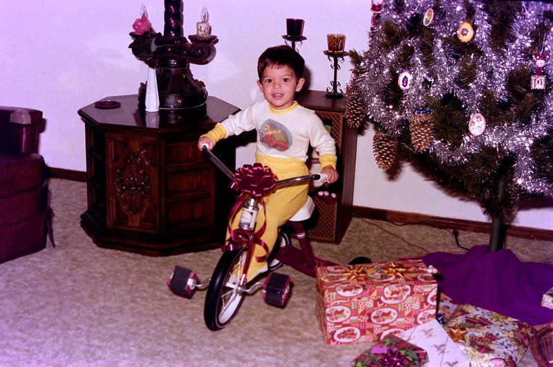 1976-12-25 #2 Anthony's 2nd Christmas.jpg