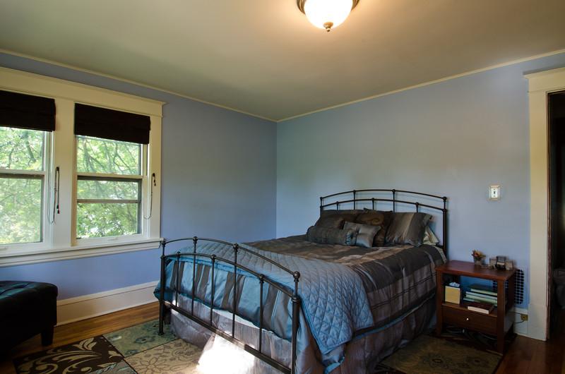 22 Master Bedroom 1.jpg