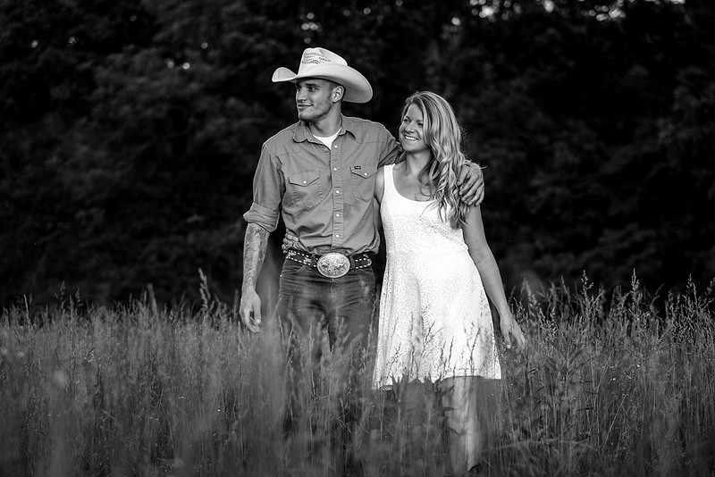 Kevin_Amanda_Country_Engagement_Blue_Photos_Jefferson_City_MO_Wedding_Photography -006.jpg