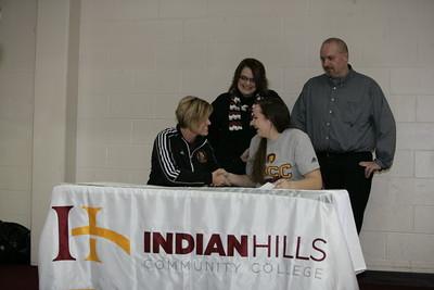IHCC Softball Signing Kassidi Henderson 02042015
