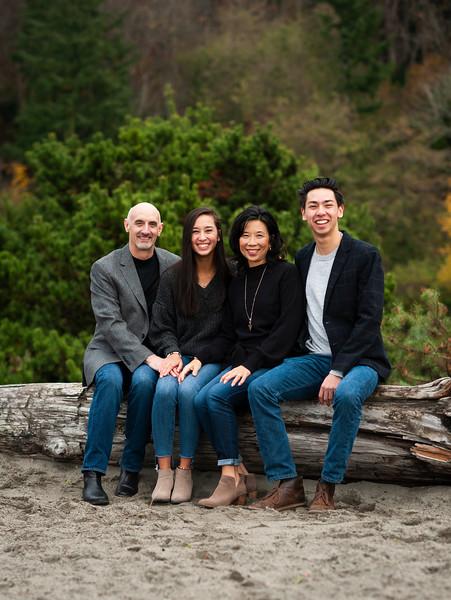 2018-1125 Reasoner Family Portraits - GMD1033.jpg
