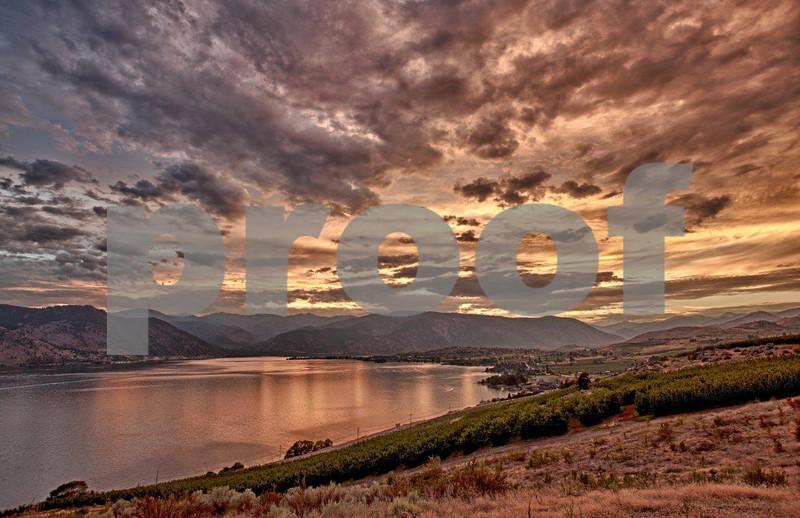Lake Chelan sunset 6675_HDR.jpg