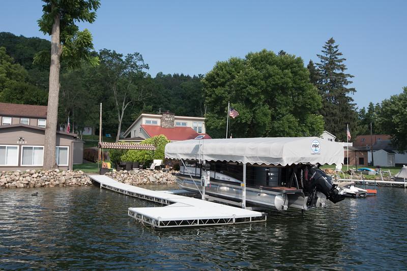 Boat1023.jpg