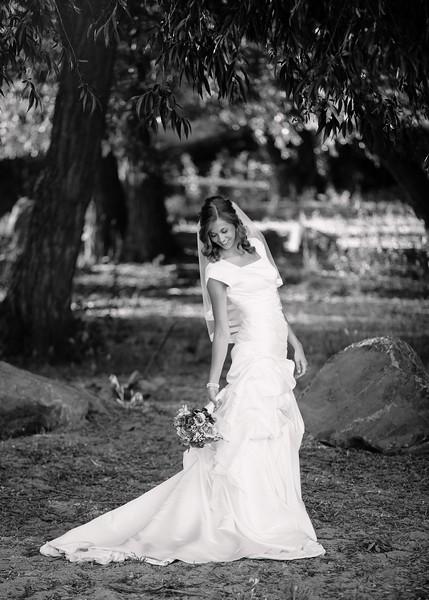 Amy Bridals 065bw.jpg