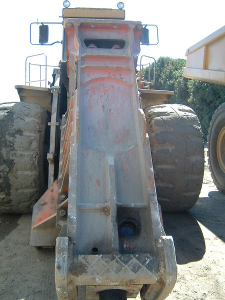 NPK E225 hydraulic hammer on Cat wheel loader (21).JPG