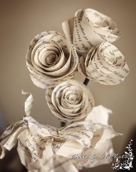 paper roses logo.png