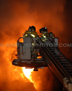 Wakefield, MA - 4th Alarm - Yale Ave - 10/27/06