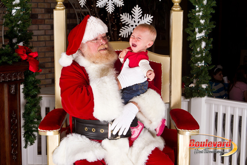 Santa Dec 8-136.jpg