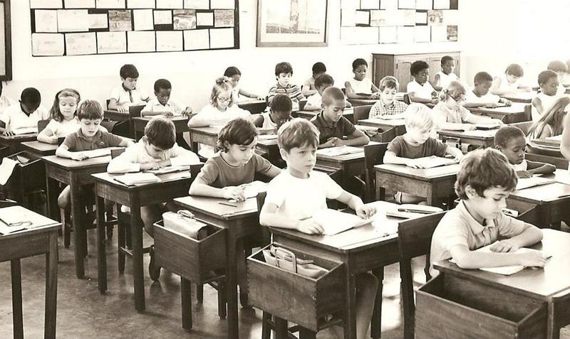 Dundo, Sala de aulas, prof. sra do Videira Paula Firmino, Tukas Braziel