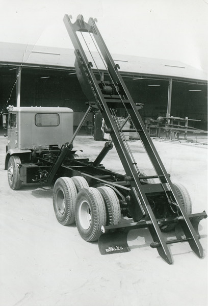 White Compact Bowles Winch Roll Off Hoist