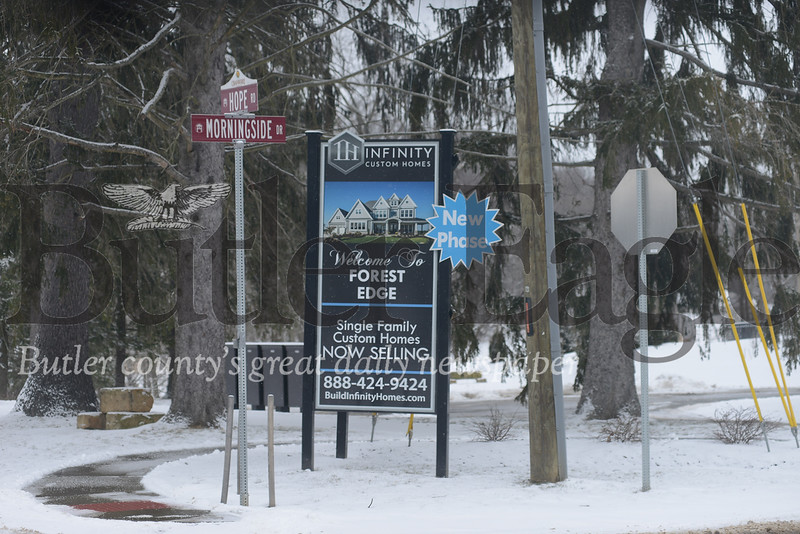 hoto by J.W. Johnson Jr.Residents on Thursday voiced opposition to a proposed new phase of development in the Forest Edge plan.