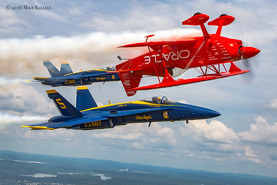 Blue Angels / Sean Tucker Great Tennessee Airshow 2016
