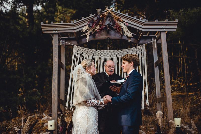 Requiem Images - Luxury Boho Winter Mountain Intimate Wedding - Seven Springs - Laurel Highlands - Blake Holly -1000.jpg