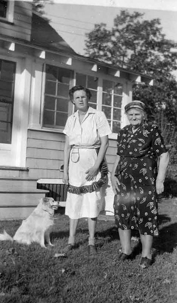 This is dads aunt Lily Brodine and his Grandmother hilda edberg.