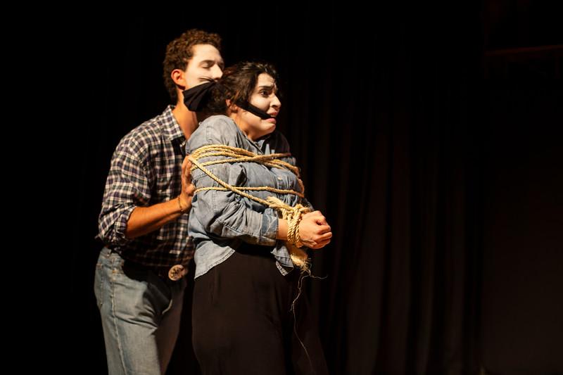 Allan Bravos - essenCIA Teatro - Persona 07-150.jpg