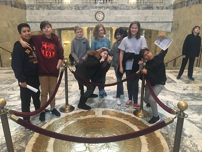 2017-2018 7th Grade Field Trip to Olympia