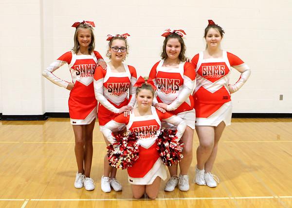 SNMS Winter Cheerleading Team 2018