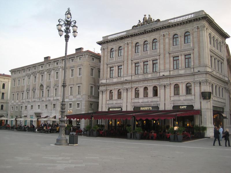 plaza_6.jpg