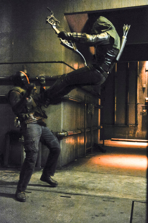 """. Stephen Amell as The Arrow fighting Mirakuru Soldier in The CW\'s \""""Arrow.\""""  (Photo by Alan Zenuk/The CW -- © 2014 The CW Network, LLC. All Rights Reserved.)"""