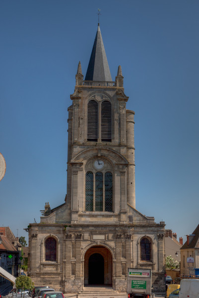 Montfort l'Amaury, Saint Peter Church