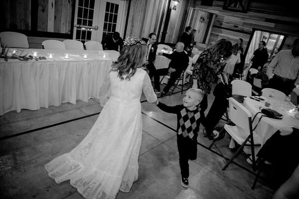 Kelsie & Andrew B/W Wedding Photos