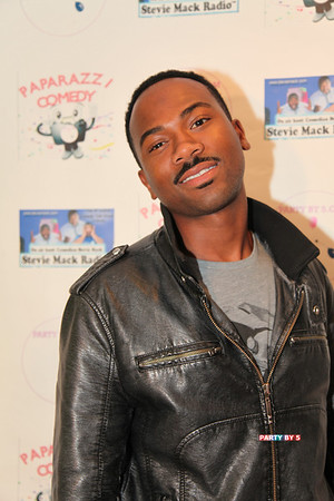 Brando Murphy Live at Paparazzi Comedy NYE Comedy Extravaganza on Jan 3