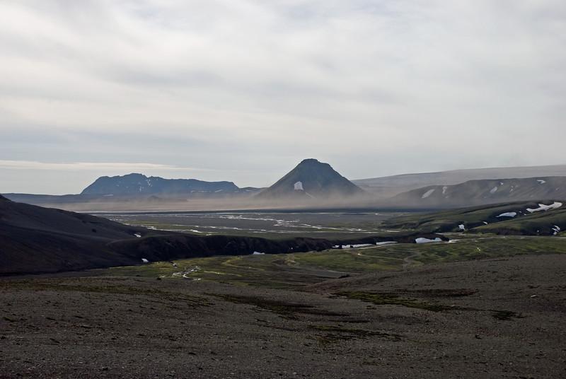 Mælifell, Öldufell  lengra á bak við