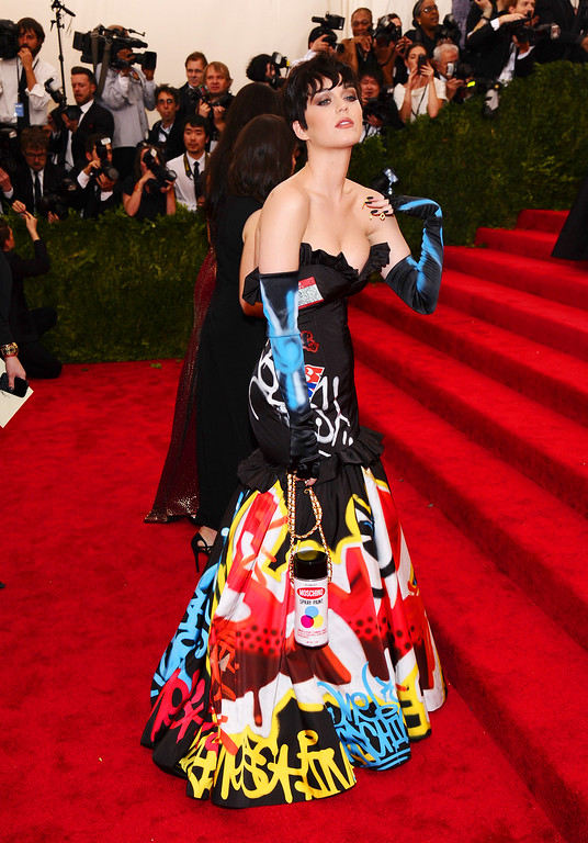 ". Katy Perry arrives at The Metropolitan Museum of Art\'s Costume Institute benefit gala celebrating ""China: Through the Looking Glass\"" on Monday, May 4, 2015, in New York. (Photo by Charles Sykes/Invision/AP)"