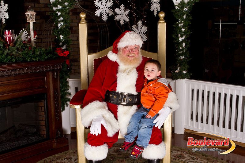 Santa Dec 15-179.jpg
