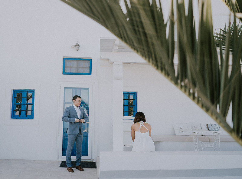 Tu-Nguyen-Destination-Wedding-Photographer-Santorini-Elopement-Alex-Diana-14.jpg