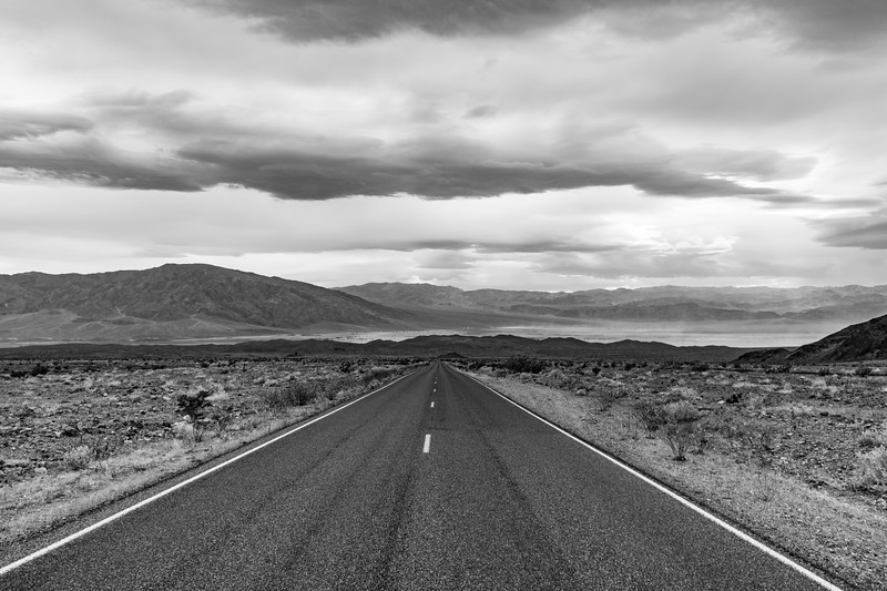 Death-Valley-BW-eastStovepipeWellsApril2017.jpg