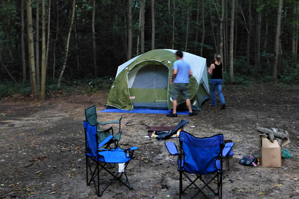 The Felts arrived and began to set up their tent.  Jackson was off to ride his bike around the camp ground.