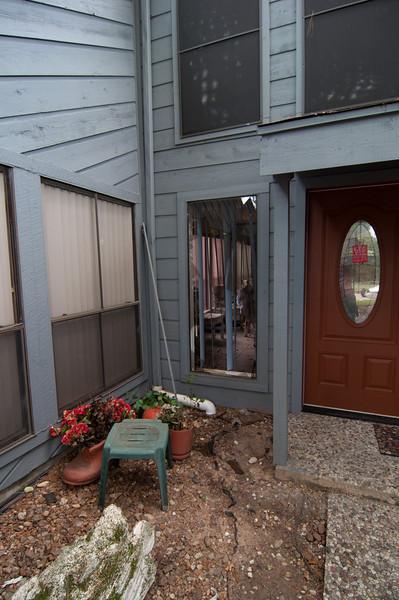 Subirats Home Deer damage-3978.jpg