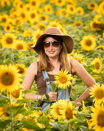 2020 Kinsey in Sunflowers