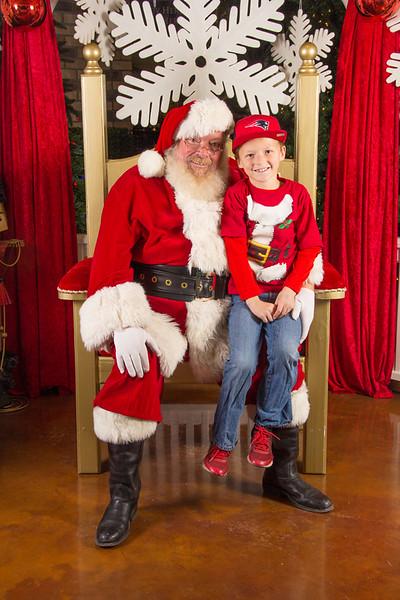 Santa 12-16-17-357.jpg