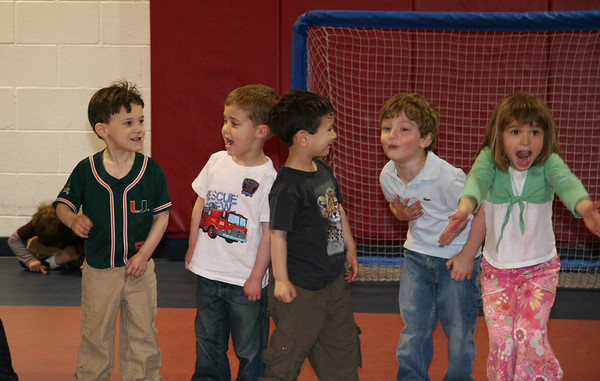 2007.05.05 - Josh Bday Party - KidsGymA - Gan Sholom