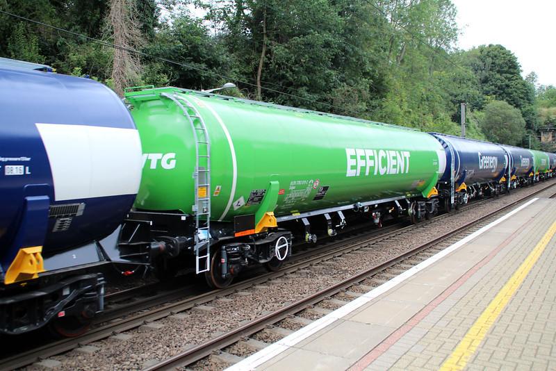 New GBRF TEA 83.70.7792019-2 on 6E92 Acton Lane-Immingham passes Welwyn North 23/08/12.